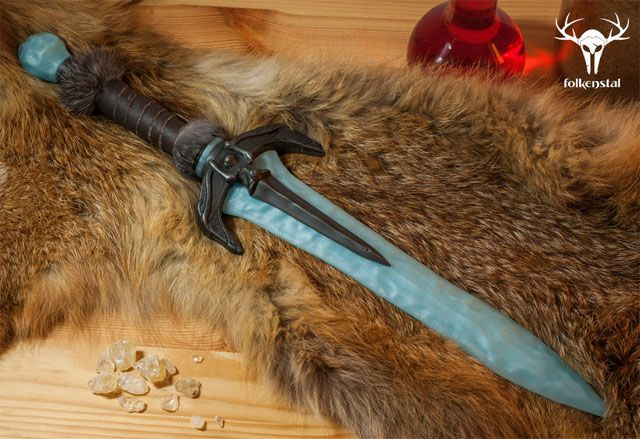 SKYRIM Replica Weapons (Bow,Daggers)