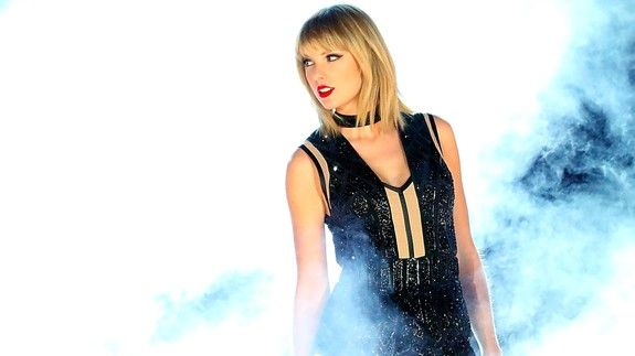 """Taylor Swift's reputation now includes a fifth No. 1 thanks to 'Look What You Made Me Do'  Regardless of the backlash and the haters Taylor Swift rose from the dead to make her legendary mark on the Billboard Hot 100 chart yet again as one does.  On Tuesday Billboard reported that """"Look What You Made Me Do""""  the first single from Swift's upcoming album Reputation  just earned the 27-year-old her fifth number one song on the chart and smashed the weekly streaming records.  SEE ALSO: There's a…"""