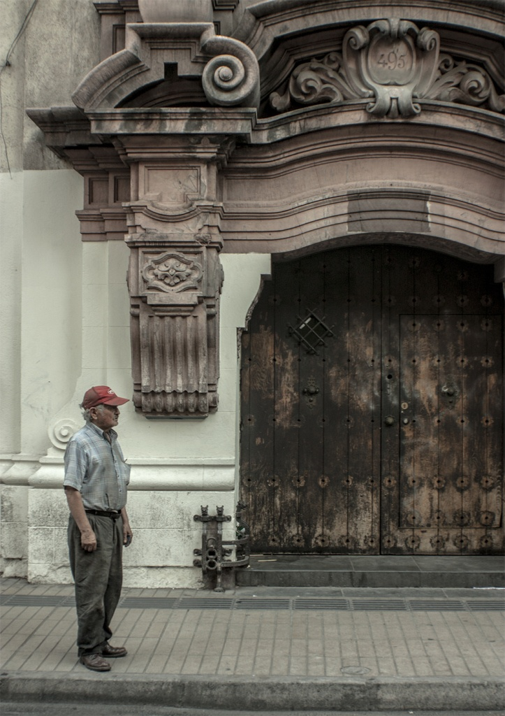 Waiting for a bus – Santiago, Chile