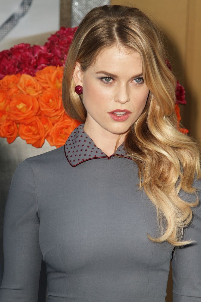 Lionesse reviews beauty tips inspired by Star Trek beauty, Alice Eve. #celebrity #aliceeve #beautytips