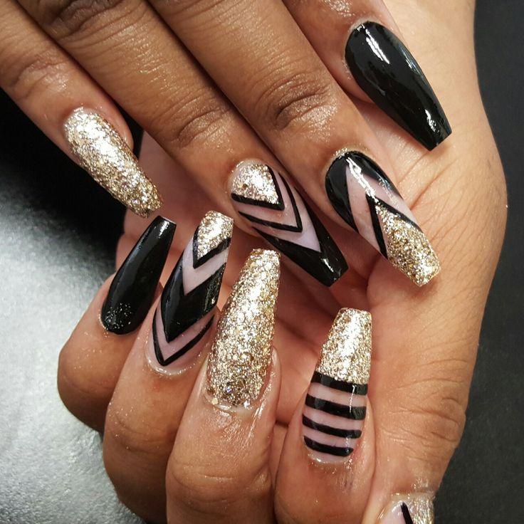 gold nails designs | Pepe