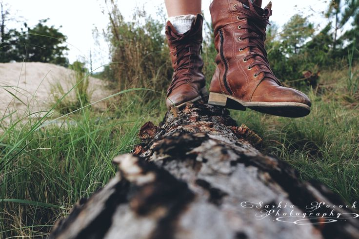 She didn't see it as walking away. She saw it as moving forward. #photochallenge #thewanderer #shoes #walking
