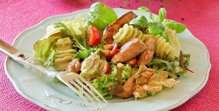 Kylling- og pastasalat med pesto > Oppskrift | Dinmat.no