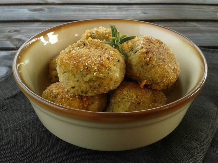 Polpette+di+broccoli+e+patate+con+formaggio