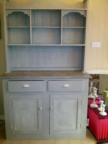 Annie sloan chalk paint on kitchen cabinet paris grey and for Sloan outdoor kitchens