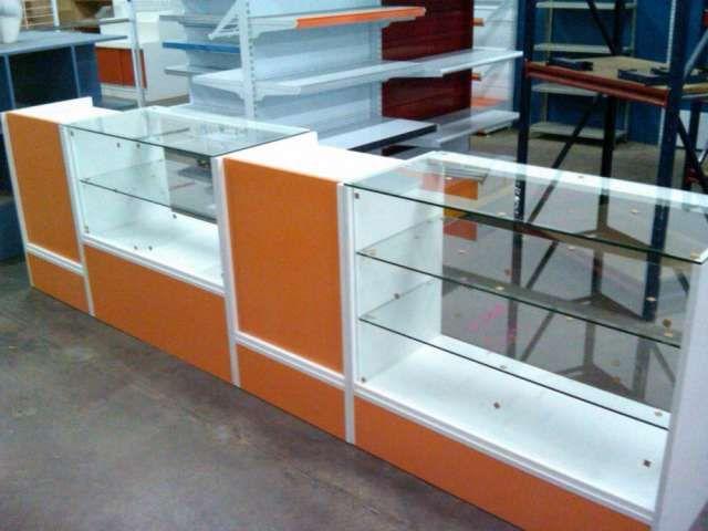 Venta de mostradores y vitrinas acristalados para cualquier negocio