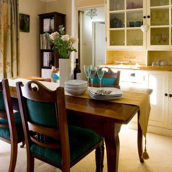 Paint Walls And A Traditional Dresser In Off White Shades To Create Warm Welcoming Feel Dark Wood Dining Furniture Chairs Upholstered Jade