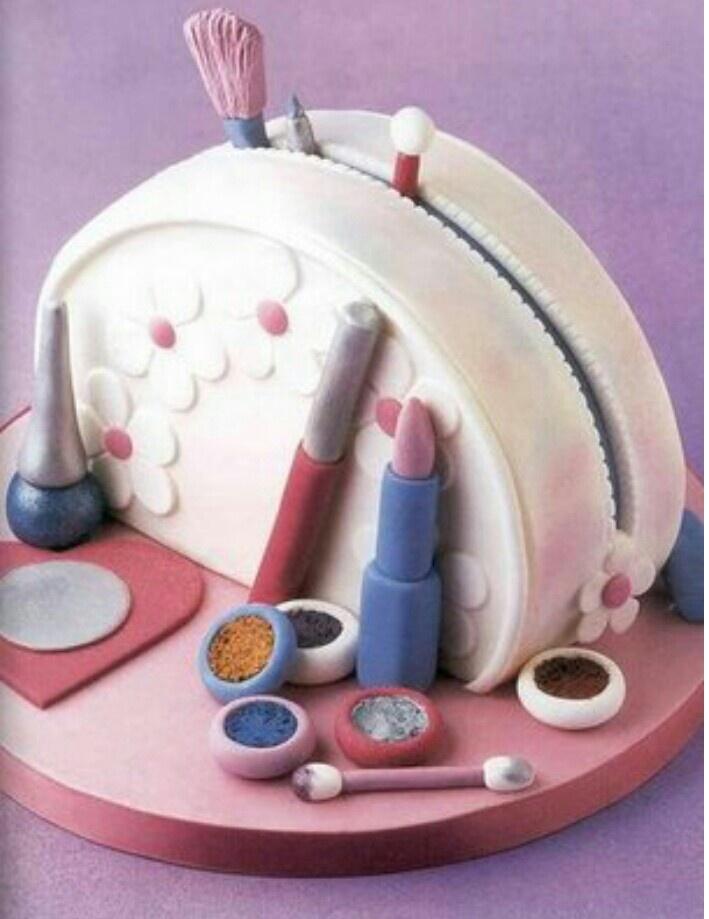 Seker hamuru canta- birthday cake- make up- doğum günü pastası