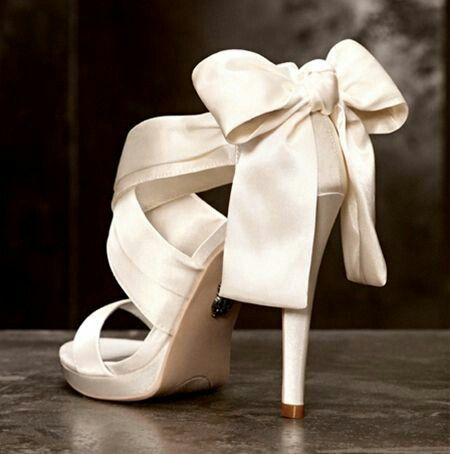 Off white Bow heels #cream #creme #champagne
