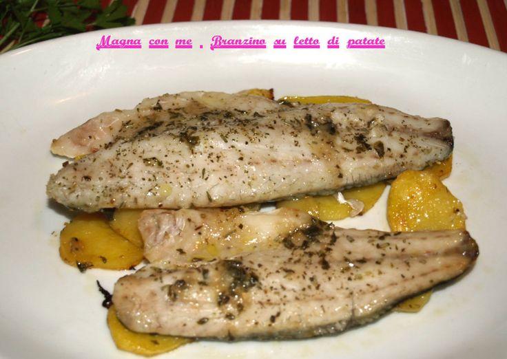 Filetto branzino al forno sul letto di patate http://blog.giallozafferano.it/magnaconme/filetto-branzino-forno-letto-patate/