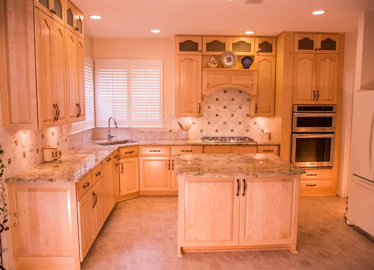 Transitional Style White Kitchen With Granite Countertops In Ellicott City,  Maryland. The Decorative Rope Corner Posts On The Peninsula Combine Wiu2026
