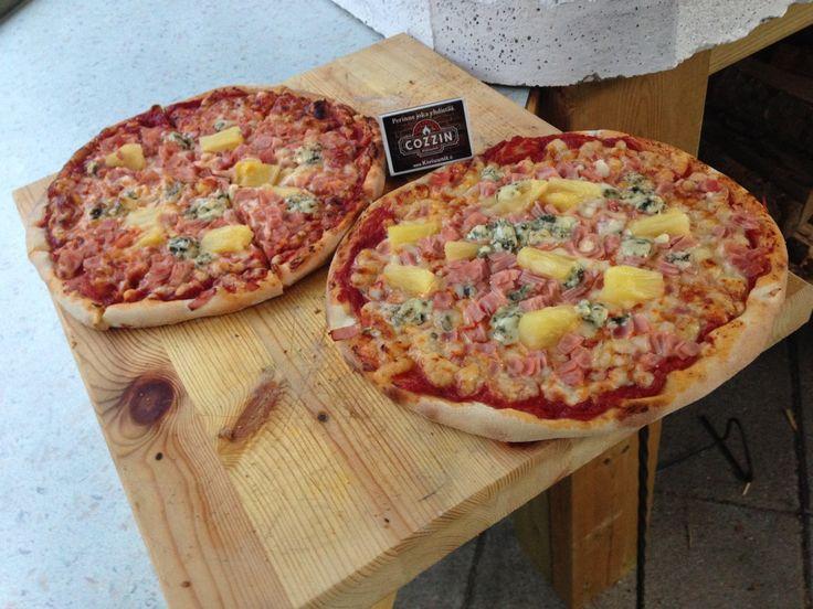 Hyvän pizzan perusta on onnistunut pohja. Kiviuunissa pohjasta tulee rapea.