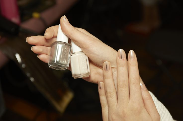 BRIDAL NAILS INSPO: It was all about the luxe lines at the Paul Andrew SS16 runway show in NYC - essie has the ability to add a little extra something to an otherwise natural nail.    DBP, Toluene and Formaldehyde free.    For the full essie range, head to: www.essie.com.au