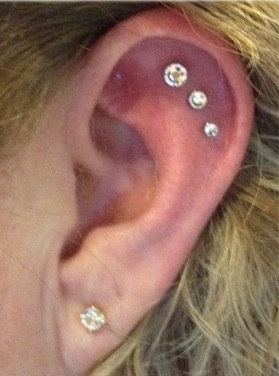 Triple horizontal outer conch