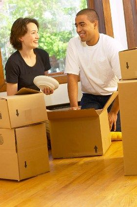 Home Moving Checklist : tips from someone who has moved over 25 times.