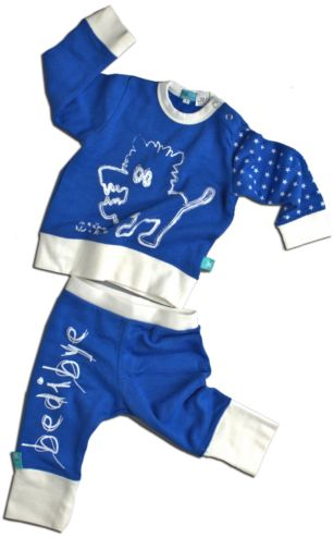 The ErgoPouch Bamboo Kids' Pyjamas in Warm Weight (also known as Winter Weight) will help your child get the best nights sleep.  Bamboo fabric regulates body temperature, keeping your little one cooler in summer and warmer in winter. The pyjamas are hypoallergenic, anti-bacterial, anti-fungal, anti-static and ecofriendly.
