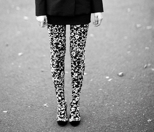 can I just have this, please!?!: Fashion Tights, White Tights, Style Inspiration, Black And White, Black White, Fashion Things, Fashion Inspiration, Stockings Tights, Fashion Fun