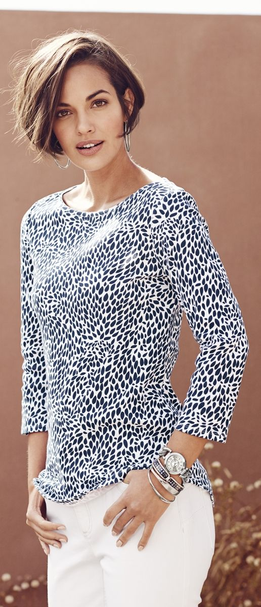 Pretty and comfy? That's what you get in this 100% cotton top.