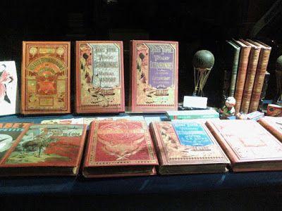 JULES VERNE,LA ASTRONOMIA Y LA LITERATURA: Antigüedades en Lisboa en diciembre de 2012.