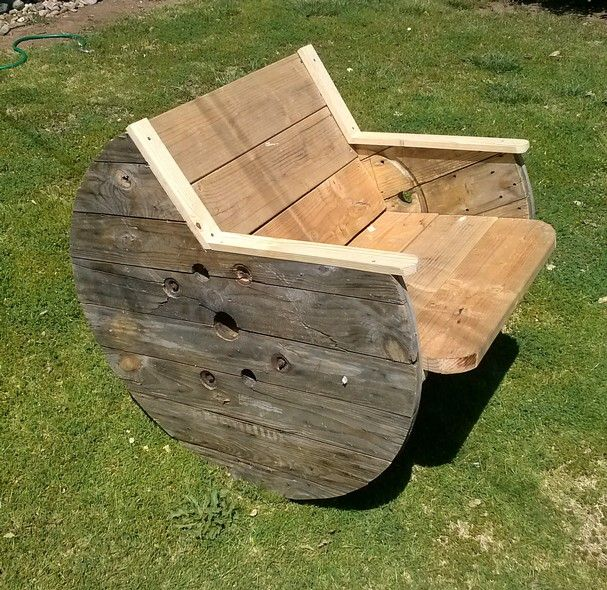 Wooden Spool Furniture | Photo: Old wood spools can be made into outdoor chairs. - Redding, CA ...