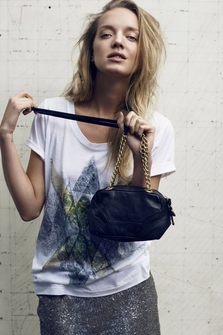 """Birdy Tee - White 