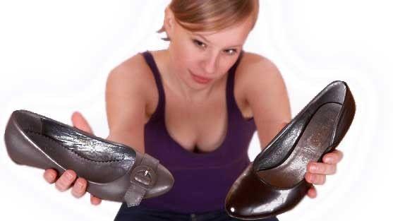 Как избавиться от неприятного запаха в обуви, если она новая