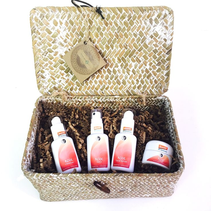 Rose Skin Care Travel/ Gift Set by Martina Gebhardt. Now you can take your favorite, all natural and organic skin care from Germany everywhere you go. Or give the gift of health & beauty to a loved one. They will THANK YOU! #organicskincare #martinagebhardt #giftset #travelsize