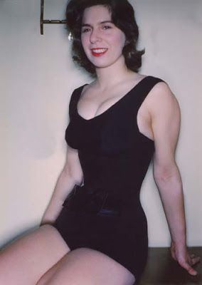 Smallest Waist In The World - Cathie Jung via frompo ...
