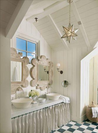 Love it: Stars Lights, Lights Fixtures, Beaches House, Cottages Bath, Bathroom Ideas, Bathroom Sinks, White Bathroom, Lights Fit, Beaches Cottages
