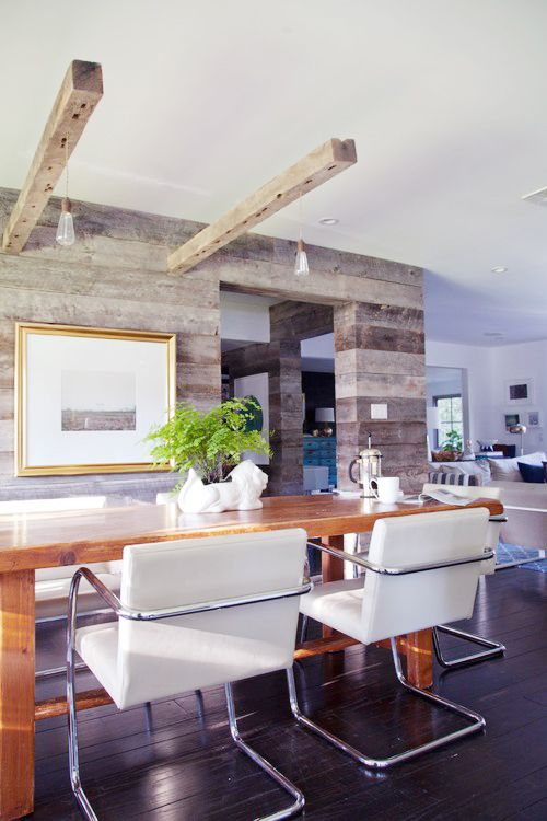 You'll Envy This Effortlessly Cool Family Home // bulb pendants, hardwood floors, gold picture frame, white dining chairsHouse Tours, Modern Dining Rooms, Lights Features, Diningroom, Reclaimed Wood Wall, Pendants Lights, Rustic Modern, Wood Walls, Accent Wall