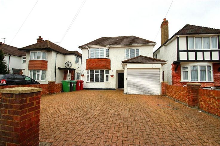 Langley Road, #Langley £599,950 Freehold  Five double #bedroom detached family home situated just walking distance to Langley High St and Train Station (Cross Rail 2018) 15ft lounge 12ft dining room 21ft fitted kitchen