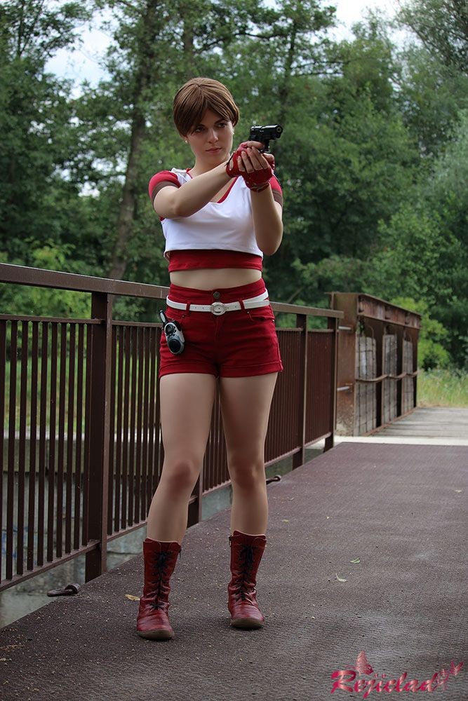 Rebecca Chambers Red Medic Resident Evil / Biohazard cosplay VI by Rejiclad