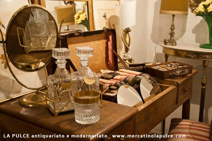 La Pulce negozio di antiquariato e modernariato, antichità, oggetti e arredi antiques, antiques modern art, objects and furniture San Donato in Poggio Firenze, Chianti www.mercatinolapulce.com