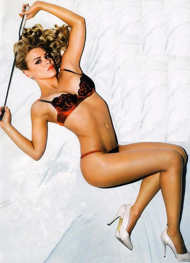 hot mama Billie Piper! Dr. Who??