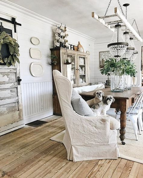 How To Give Any House Farmhouse Style. Great Decorating Ideas for Vintage, Shabby Chic, Fixer Upper, Modern Country and Cottate Decor!