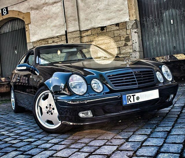 What a beauty! #MercedesBenz #CLK #Mercedes #Benz #CLK230 #Kompressor #MercedesBenzCLK230 #MercedesCLK230 #MercedesBenzCLK230K #MercedesCLK230K #MercedesBenzCLK230Kompressor #MercedesCLK230Kompressor #CLK230Kompressor #CLK230Komp #CLK230K #230Komp #230K #Supercharged #I4 #M111 #Supercharger #C208 #W208 #208 #CLKcoupe pic by @carsandemotions #CLKdrivers