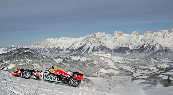 GALERIE: Tomu neuvěříte: Formule 1 se nebojí sněhu, řádí na sjezdovce v Alpách (videa) | FOTO 14 | auto.cz