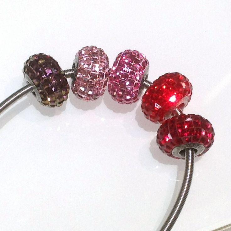 Swarovski Becharmed Pavé beads - reds
