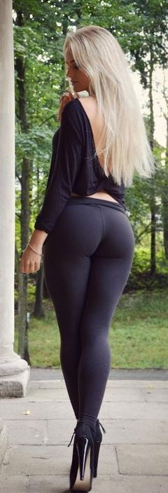 Fine young ass blone babes #1