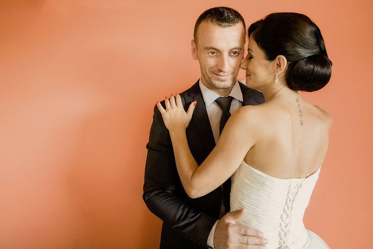 După sesiunea foto de antrenament, iacătă-ne și la nuntă. O nuntă pe care Tania o aștepta cu nerabdare. Dar și noi.