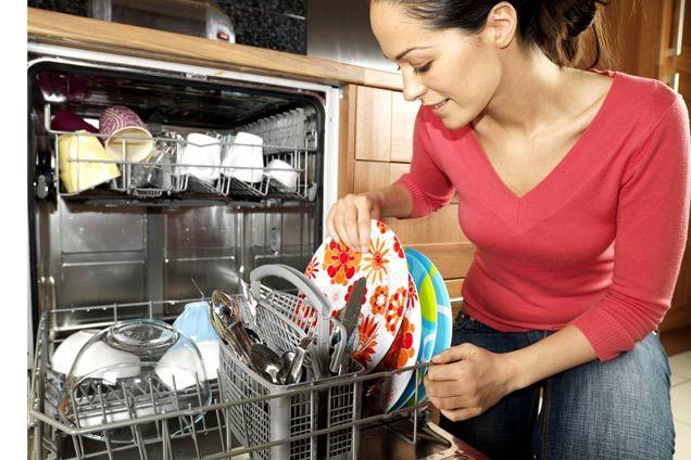 Cum alegi cea mai bună mașină de spălat vase? 5 caracteristici de care să ții cont! .   Mașinade spălat vase este din ce în ce mai prezentă în bucătăriile românilor. Iar acest lucru se întâmplă pentru că ne dorim să ave... https://www.gadget-review.ro/cum-alegi-cea-mai-buna-masina-de-spalat-vase/