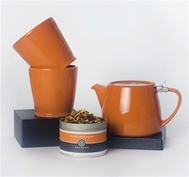 tea-lightful gift set-Perfect for any occasion. Includes tea pot with infuser, two tea cups and a tin of orange creme dreams tea