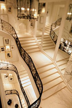 Mirrored staircase dream #ralphlauren #house