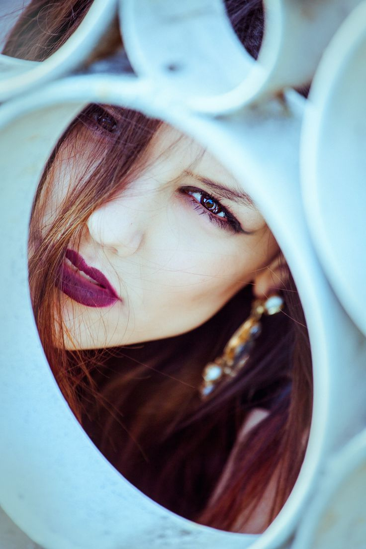 Model: Ariadna Mladen. Photo: Ileana Radulescu