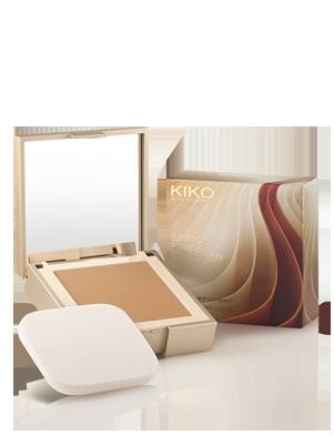 Sunproof Powder Foundation SPF 15    Fondotinta compatto in polvere con SPF 15 e doppio utilizzo asciutto e bagnato.  La sua texture in polvere leggera uniforma l'incarnato con un effetto opacizzante e un finish naturale. Il doppio utilizzo wet & dry garantisce una coprenza media molto naturale se il fondotinta è utilizzato da asciutto. Applicato con spugnetta inumidita, crea un effetto mat più costruito. Prezzo : 13.90 euro  Disponibile in 4 tonalità:    01 Light  04 Natural  05 Medium  06…