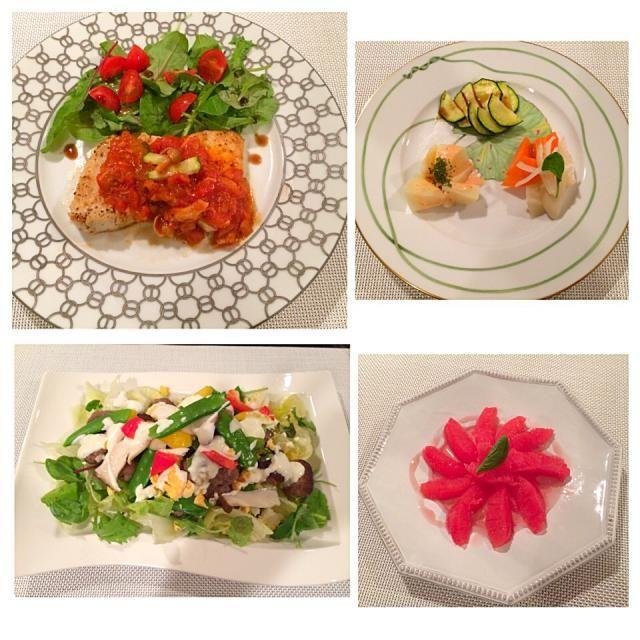 おうちご飯☺︎  カジキマグロのイタリアンソース ハーブサラダ添え♡  3種の野菜の前菜☺︎ カブと人参のピクルス ジャガイモとタラコのサラダ ズッキーニのソテー♪  ミントとパルメザンチーズのミートボール♫ヨーグルトソース  主人も私も フルーツ♡がたべたかったので、 グレープフルーツのシロップかけ に、しました♡  (#^.^#) - 17件のもぐもぐ - カジキマグロのイタリアンソース by kumariextreme