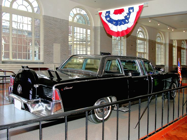 1961 Lincoln Presidential Bubble Top Parade Limousine Kennedy Assasinated Nov 1963