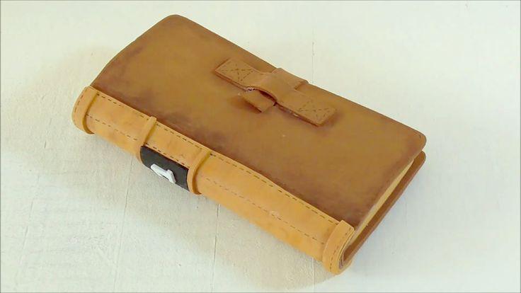 Funda para móvil en forma de libro hecha con goma eva. Manualidades con ...