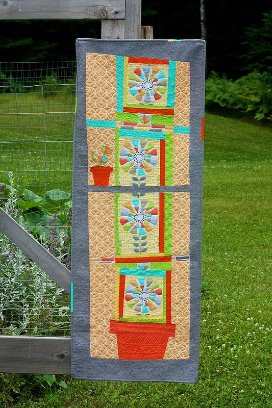 88 best images about Large scale print quilts on Pinterest Quilted table runner patterns ...