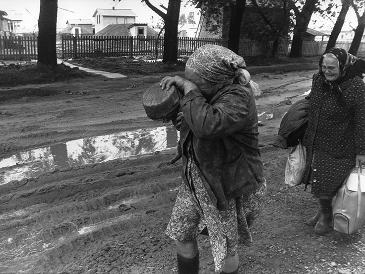 Women evacuate the city of Chernobyl, Russia, after the nuclear accident there on April 26, 1986. (Igor Kostin/Sygma/Corbis)
